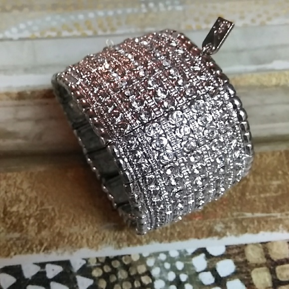 Jewelry - Classy CZ covered bangle